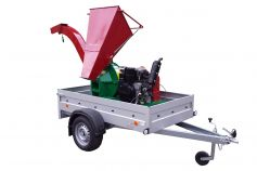 hopper folds down, high discharge detachable (picture shows comparable coarse chipper with previous 32 HP engine)