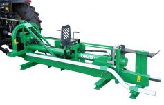 Long log splitter / pole splitter in transport position, the in- and outfeed is hydraulic