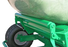soft stop roller prevents the bale from being unloaded too quickly