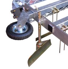 Infinitely height-adjustable netting roller with internal auger, regulates the height of the tines in conjunction with the tractor'